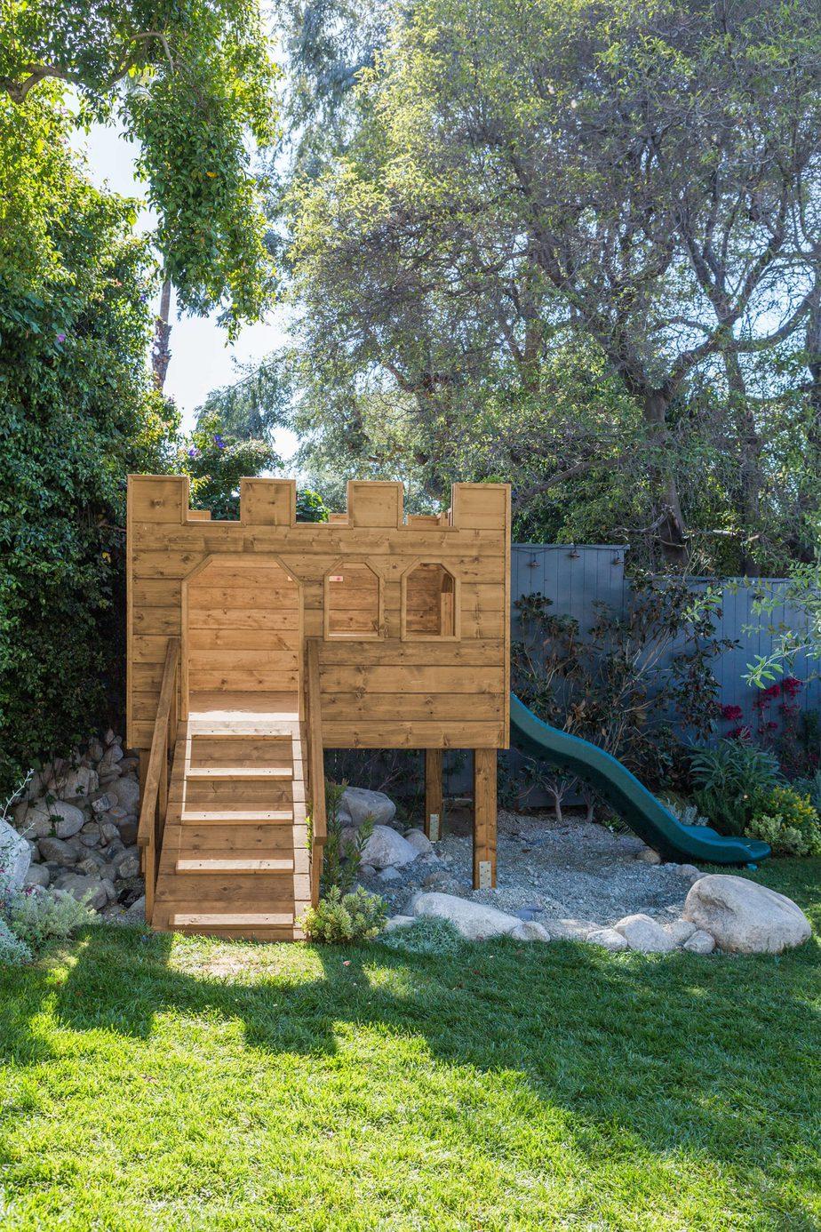 6.Castle Clubhouse Project via Simphome.com
