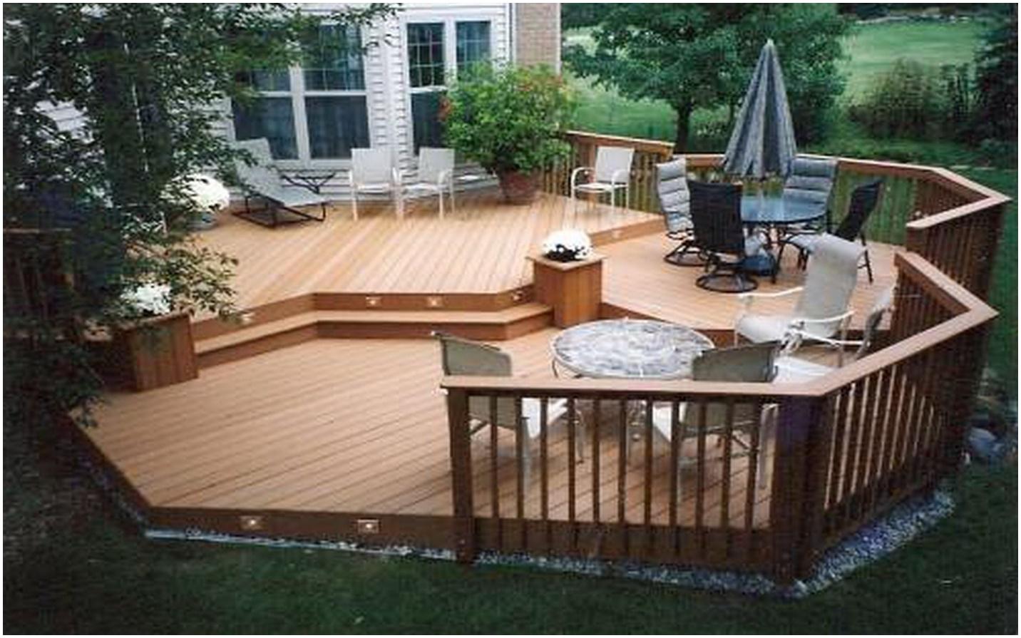 6.SIMPHOME.COM Wooden Backyard Patio with Simple Plant Palette