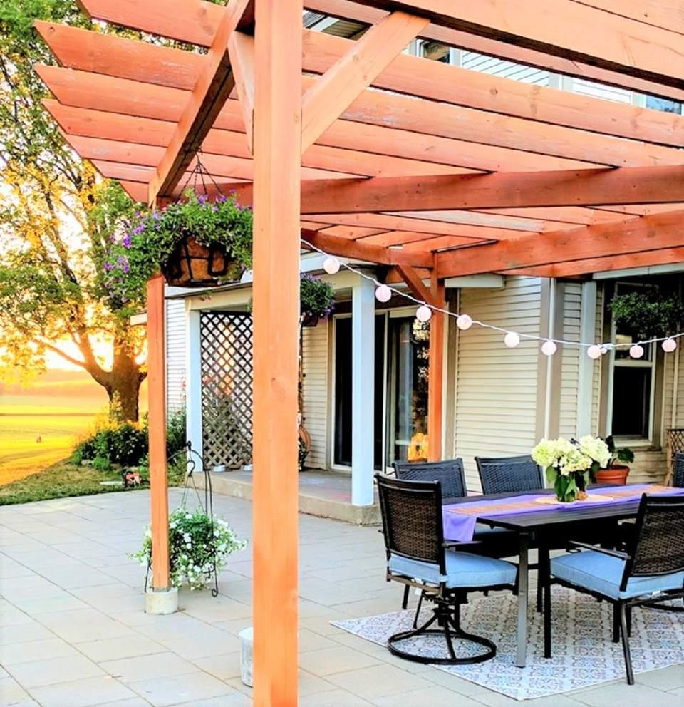 7. SIMPHOME.COM You can try the pergola patio