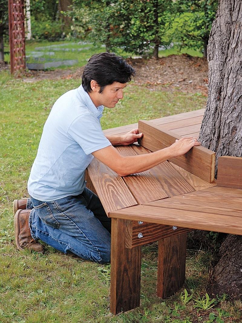 8.SIMPHOME.COM Elegant tree bench