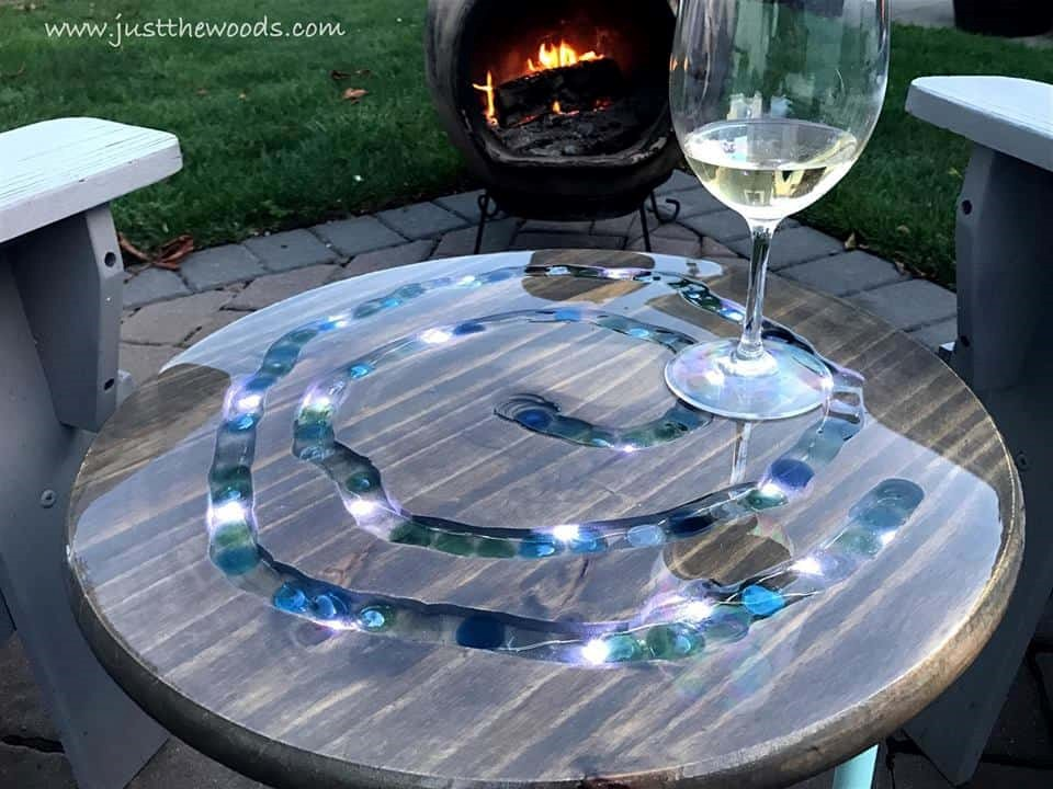 8.SIMPHOME.COM Striking LED Mosaic Table