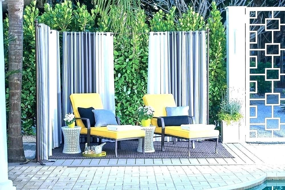 9.SIMPHOME.COM 10 Ideas how to make backyard privacy landscaping Curtains and Sails