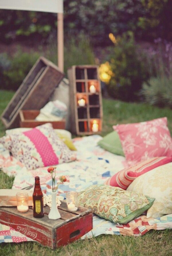 9.SIMPHOME.COM A Beautiful picnic idea