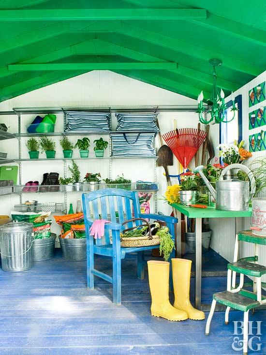 9.SIMPHOME.COM Garden Shed with Custom Storage