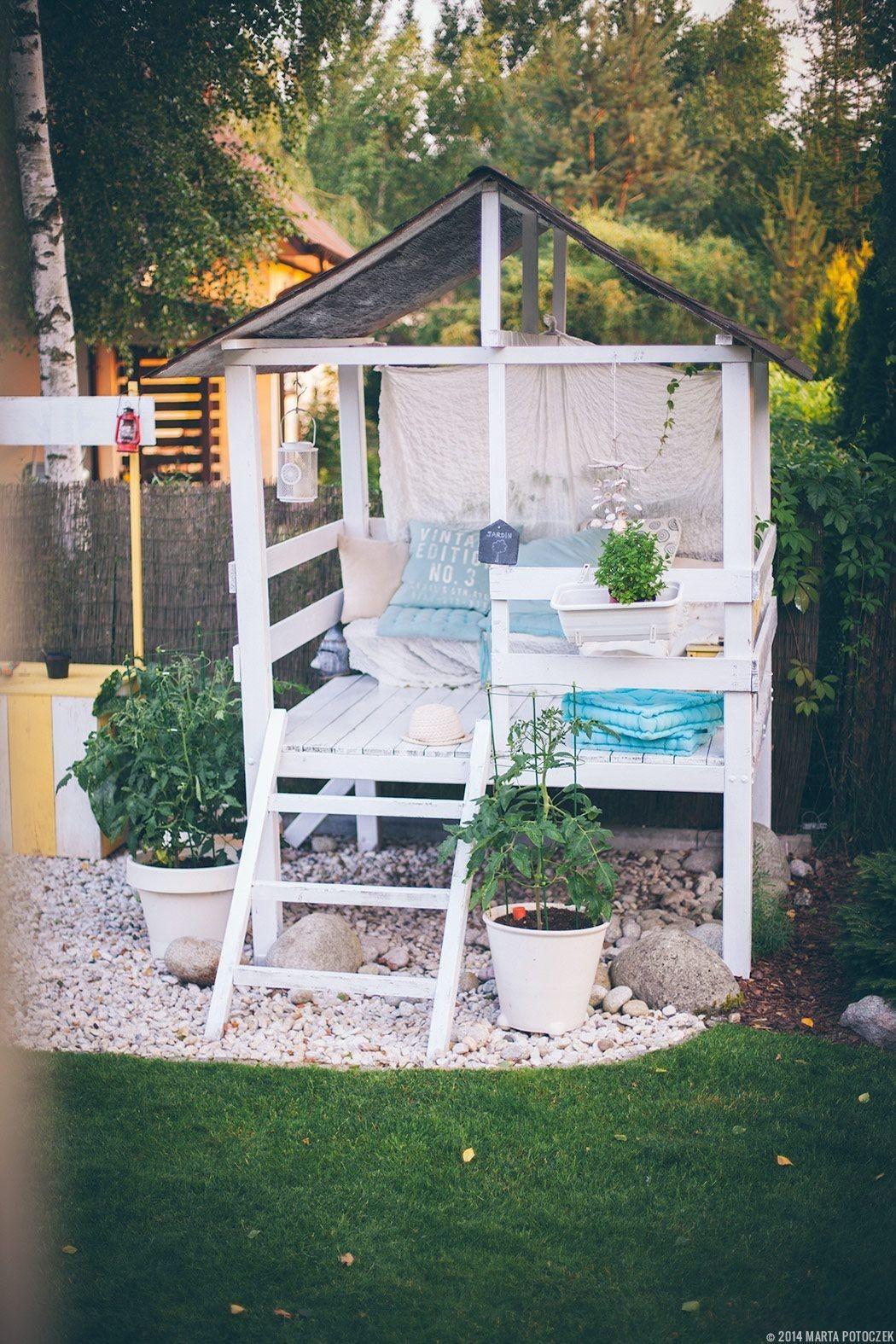 9.SIMPHOME.COM Minimalist Balcony