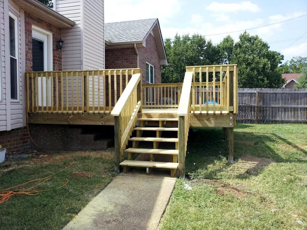 9.SIMPHOME.COM Small Patio with Concrete Path