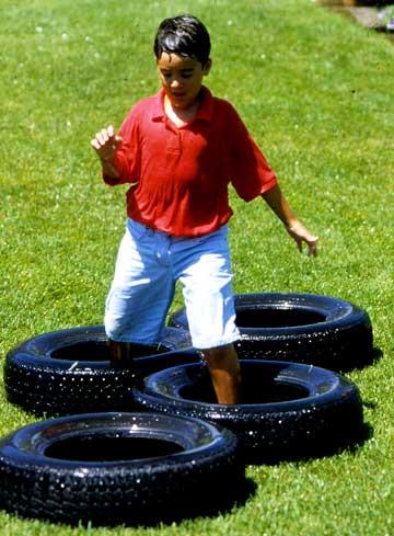 9.SIMPHOME.COM The tire hops