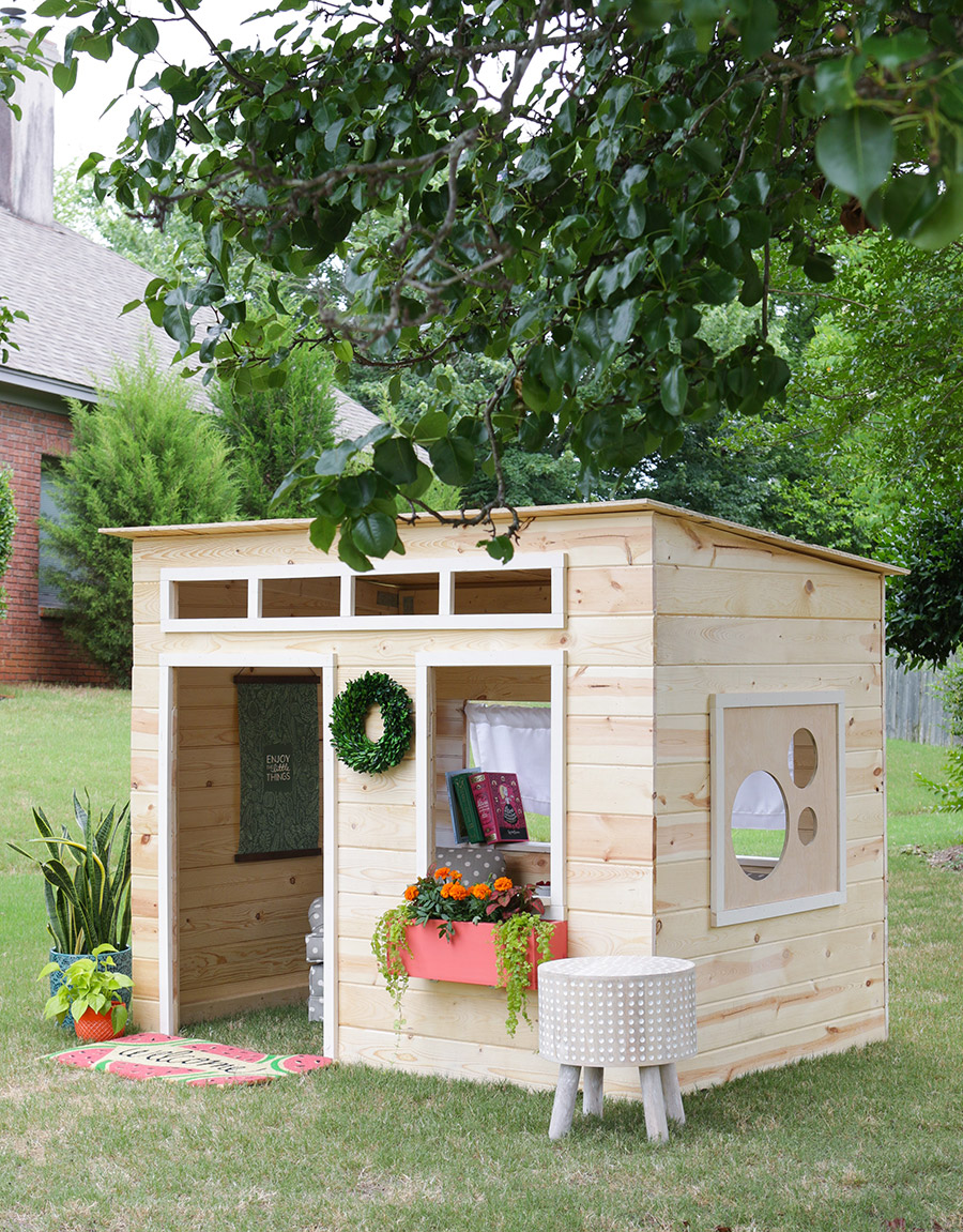 9.Simple Clubhouse Project Idea via Simphome.com