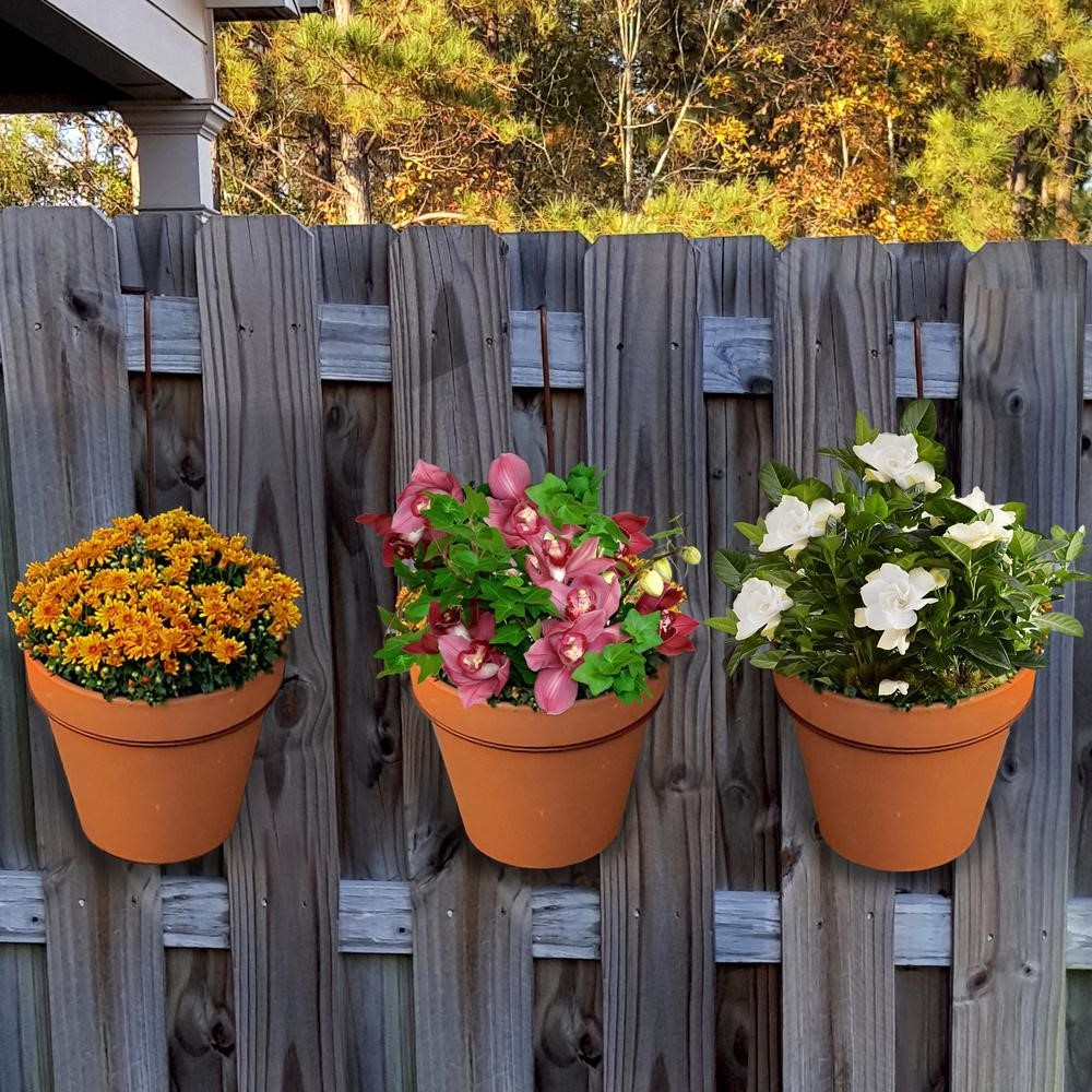SIMPHOME.COM 10 Tricks How to Upgrade Wood Fence Ideas for Backyard 2.Flower Pots for Your Fence