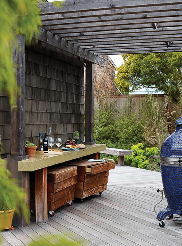 18.SIMPHOME.COM outdoor backyard deck with wooden pergola decors