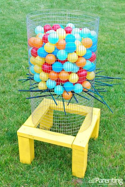 5.SIMPHOME.COM Throw the Ball to the Basket
