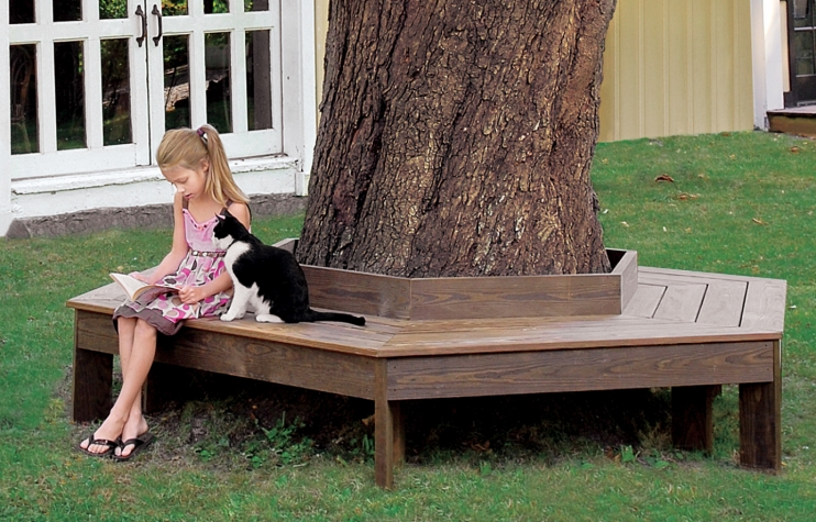 7.SIMPHOME.COM Make a Comfortable Tree Bench
