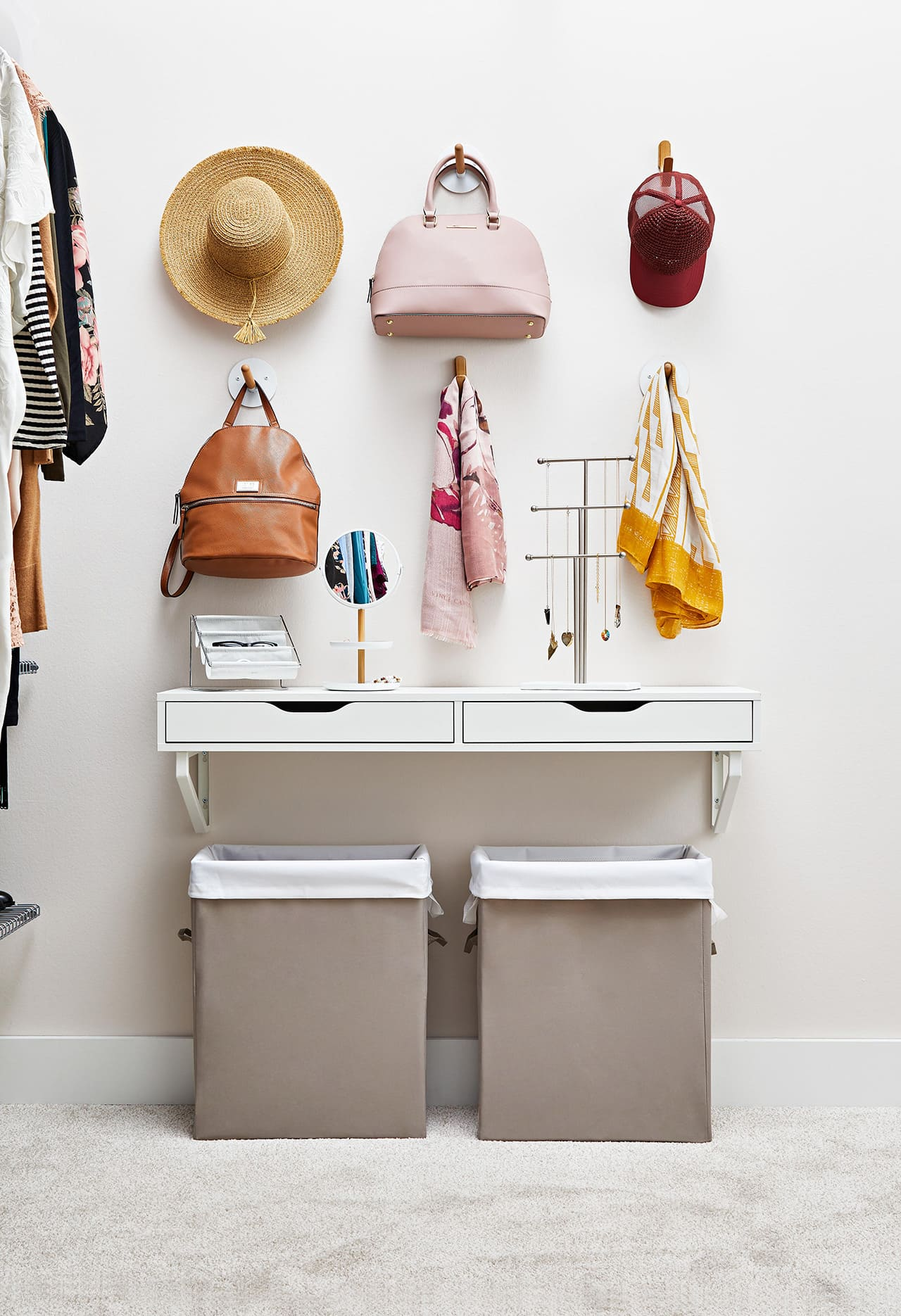 2.Simphome.com Spruce Up the Wall of Your Walk in Closet