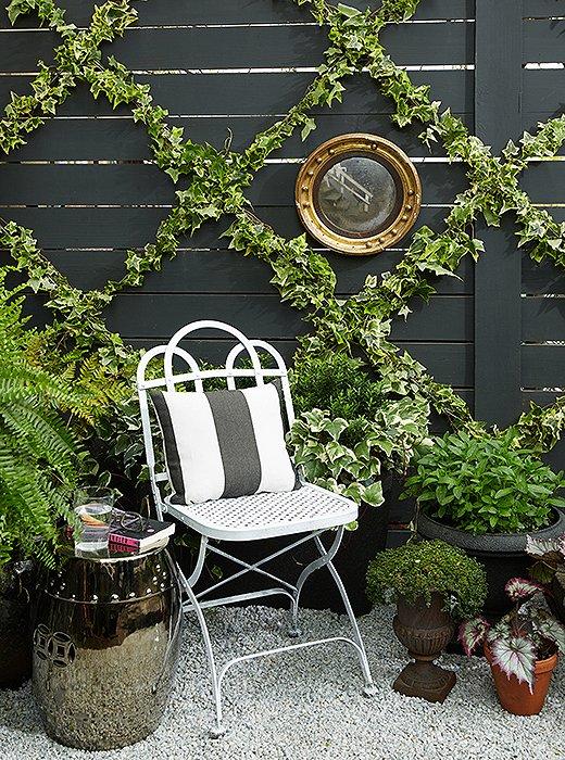 9.Simphome.com Chic Garden Trellis for Contemporary Home