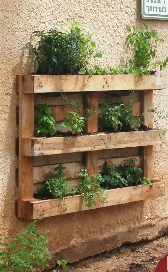 9.Simphome.com Tap your garden Wall