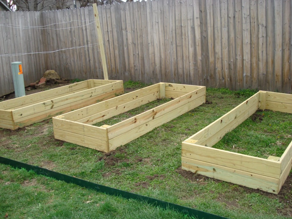Simphome.com 10 inspiring diy raised garden beds ideasplans and designs the within box garden ideas Image Source theselfsufficientliving.com