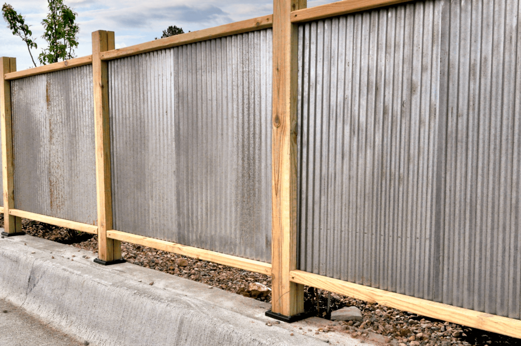 Simphome.com Use Corrugated Metal for Fencing