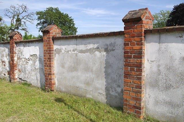 3.Simphome.com Brick Fences