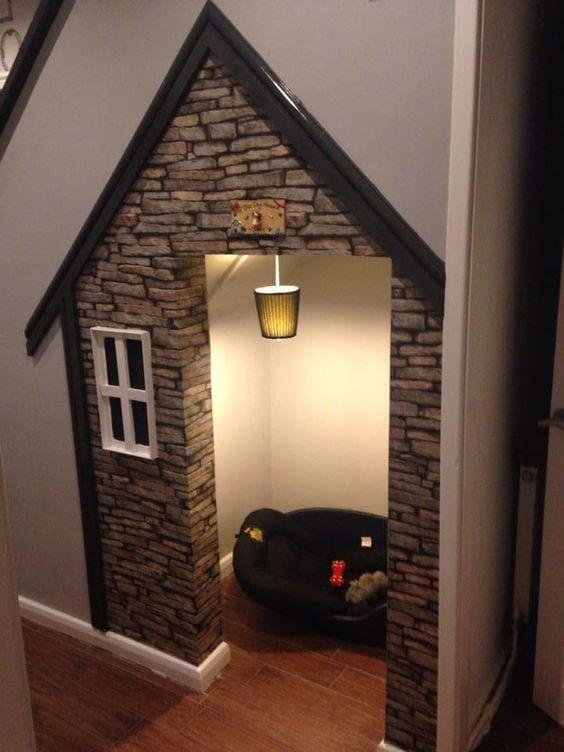 3.Simphome.com Rustic Dog House
