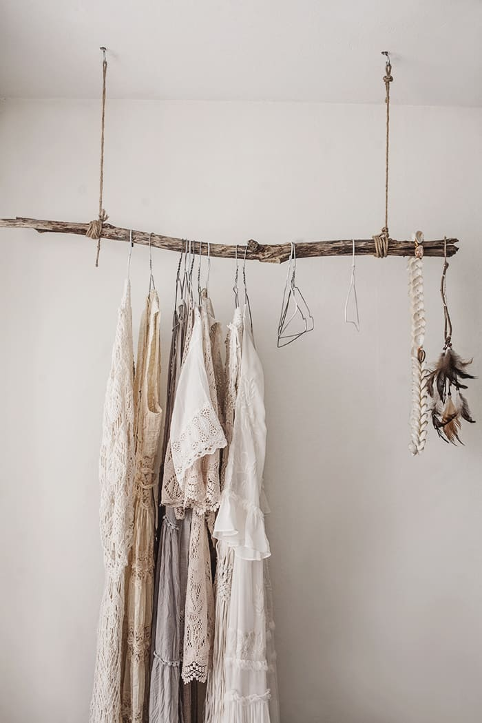 6.Simphome.com Rustic Hanging Rack