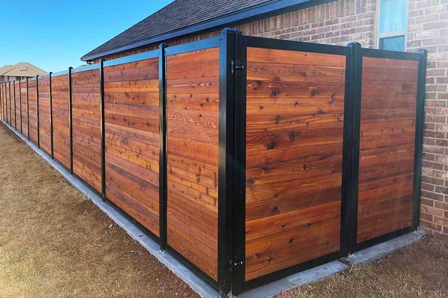 8.Simphome.com Horizontal Backyard Fence