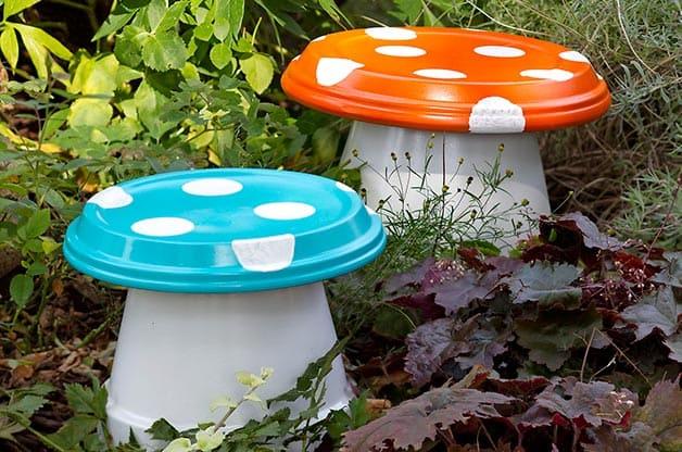 2.Simphome.com Garden Mushrooms
