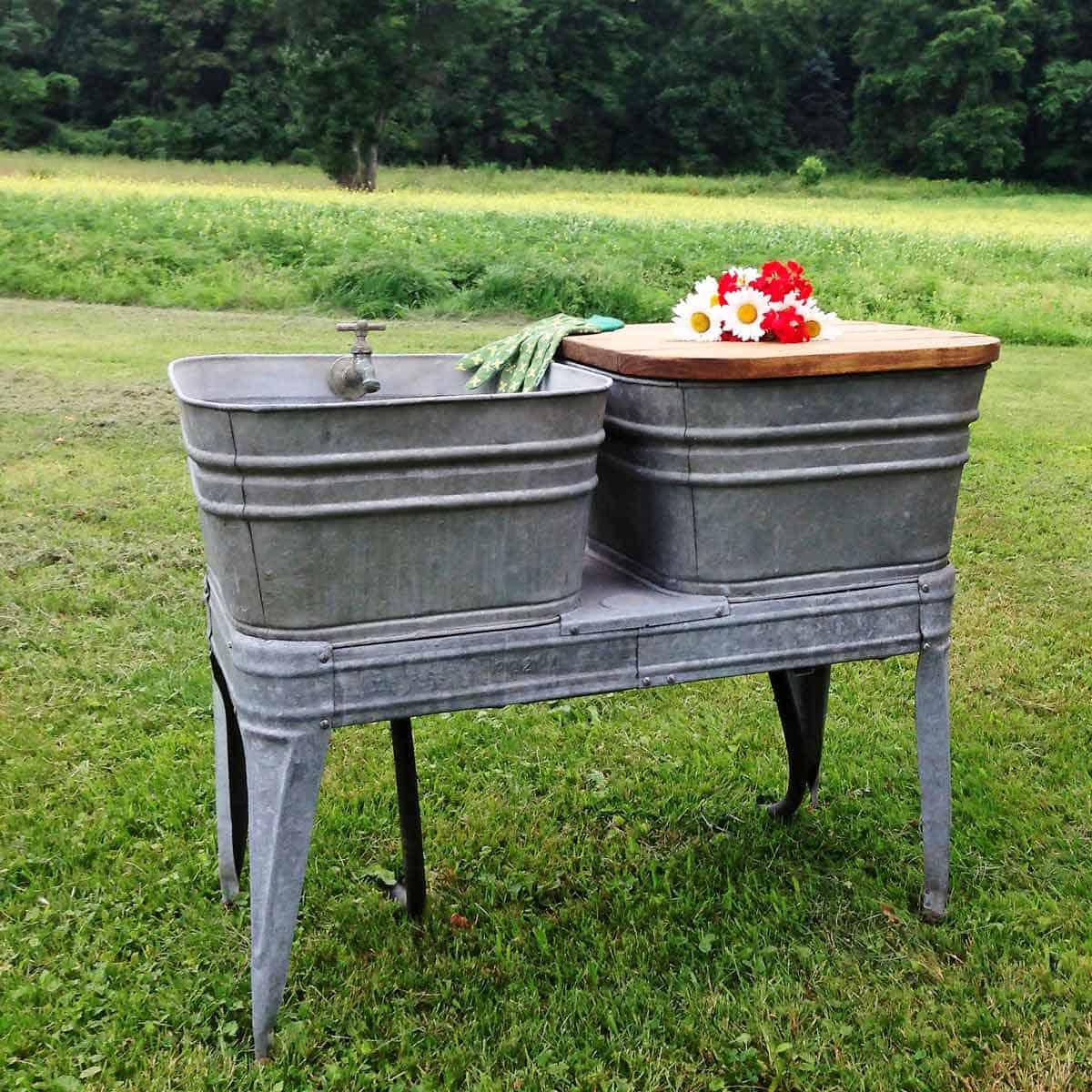 3.Simphome.com Rustic Galvanized Garden Sink