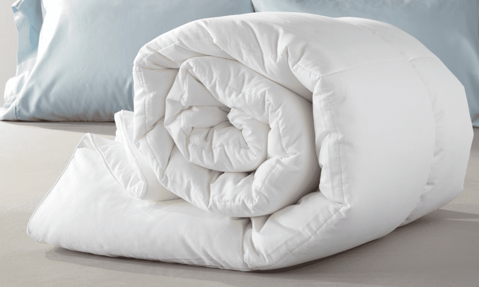 5.Simphome.com Add a Comforter