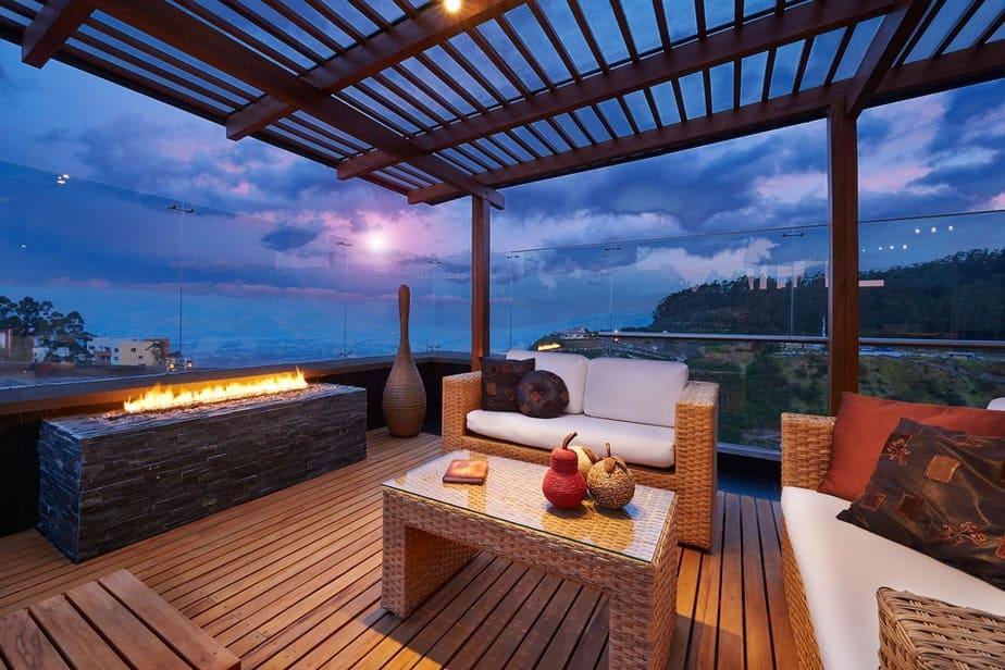 5.Simphome.com Deck with Glass Railing
