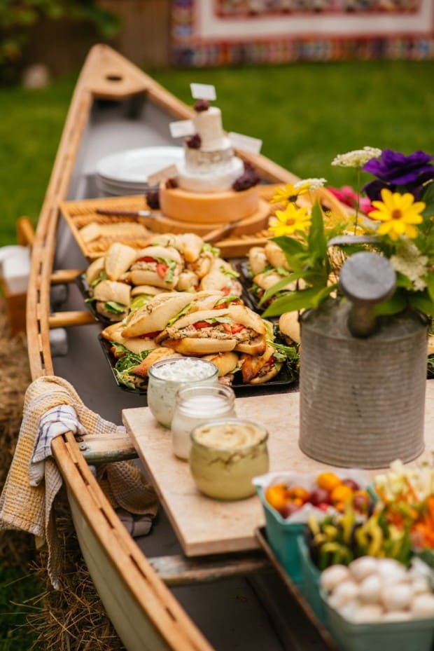 8.Simphome.com Unique Outdoor Buffet in a Canoe