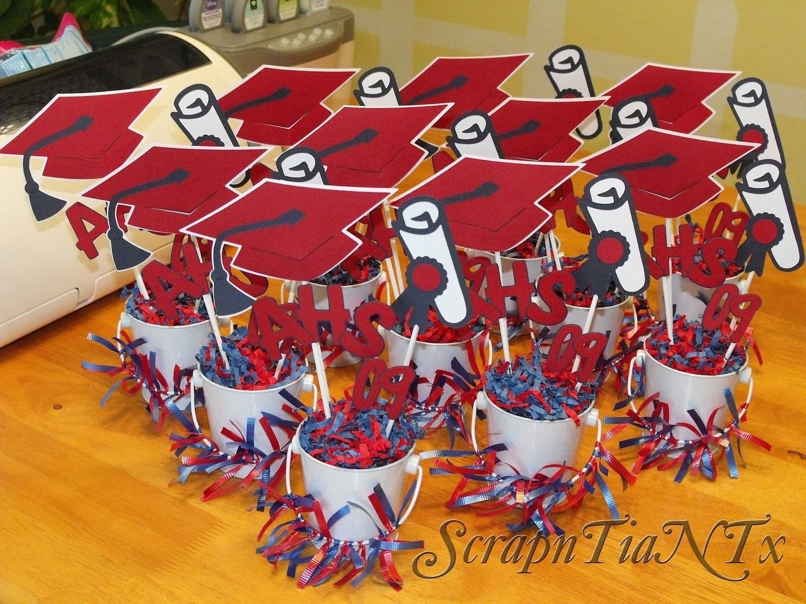 Simphome.com 10 most popular graduation party table centerpiece ideas for 10 graduation centerpieces for tables most of the brilliant and also lovely