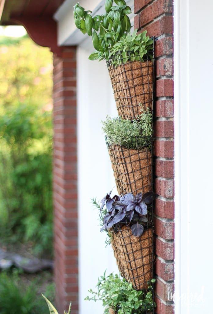 10.Simphome.com Vertical Herb Garden