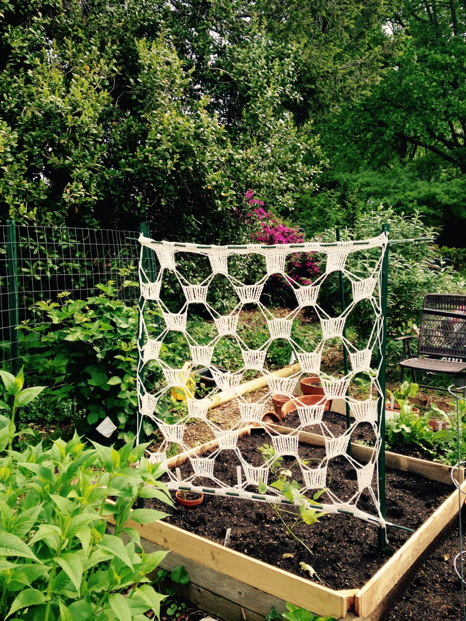 2.Simphome.com Crochet String Trellis