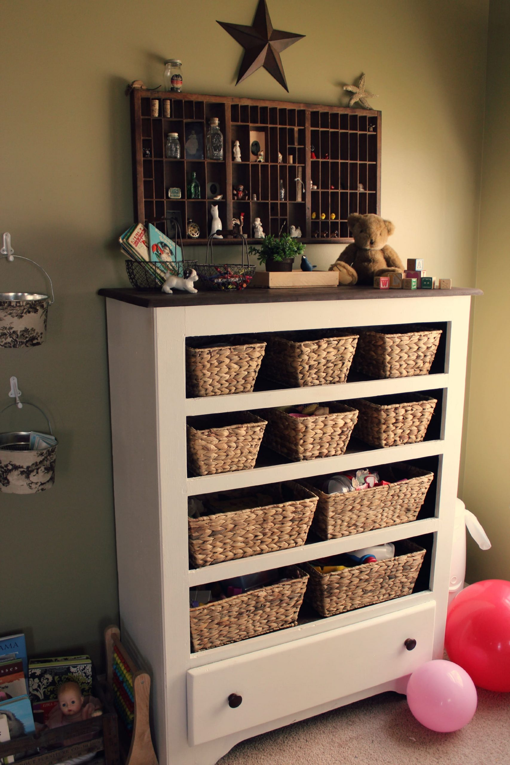 6.Simphome.com Baskets Instead of Drawers