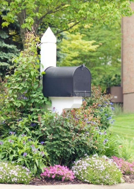 8.Simphome.com Dress Up Your Mailbox 2