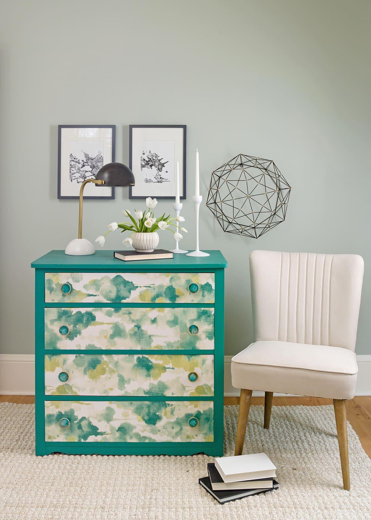 9.Simphome.com Wallpaper the Dresser