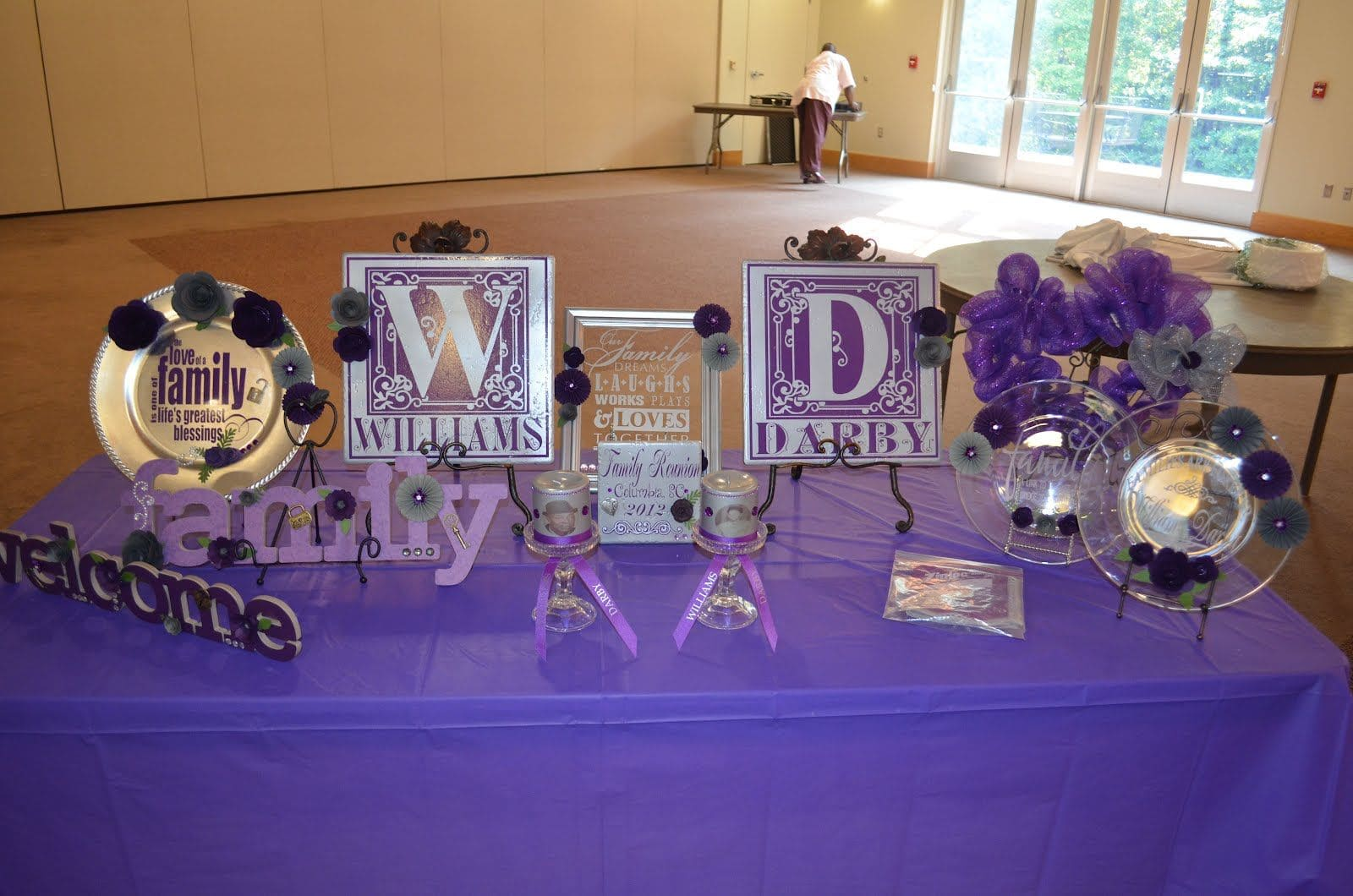 Simphome.com family reunion table centerpieces in my spare time family for 2020