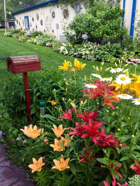 10.Simphome.com Mailbox Small Garden 2