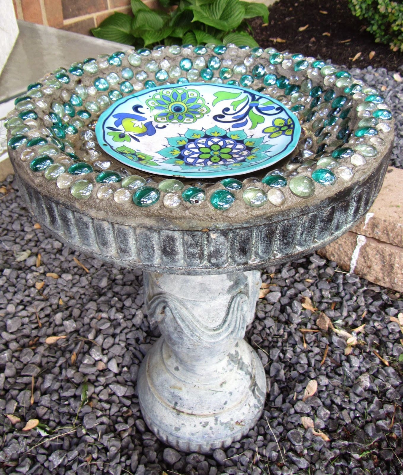 3.Simphome.com Add Fancy Bird Bath