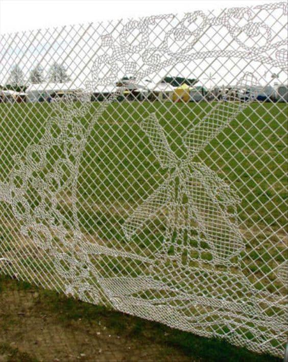 3.Simphome.com Artistic Wire Fence 1