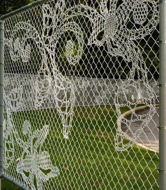 3.Simphome.com Artistic Wire Fence 2