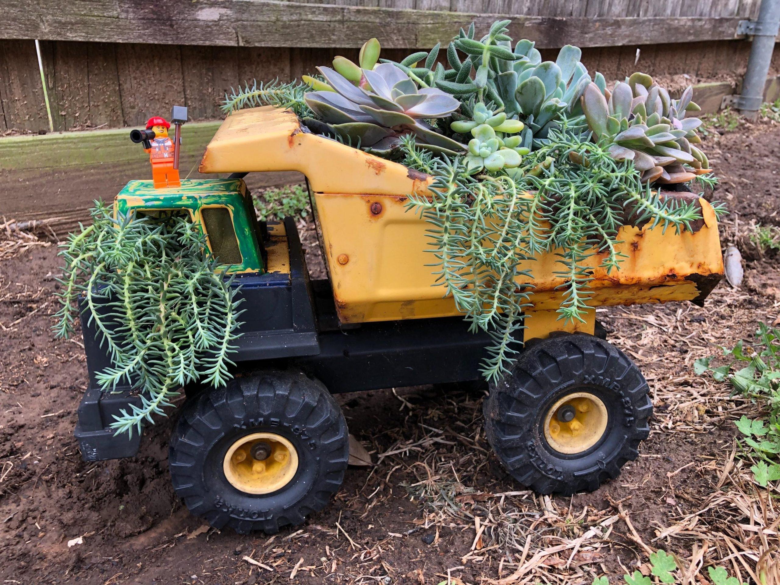 3.Simphome.com Rustic Toy Truck 1