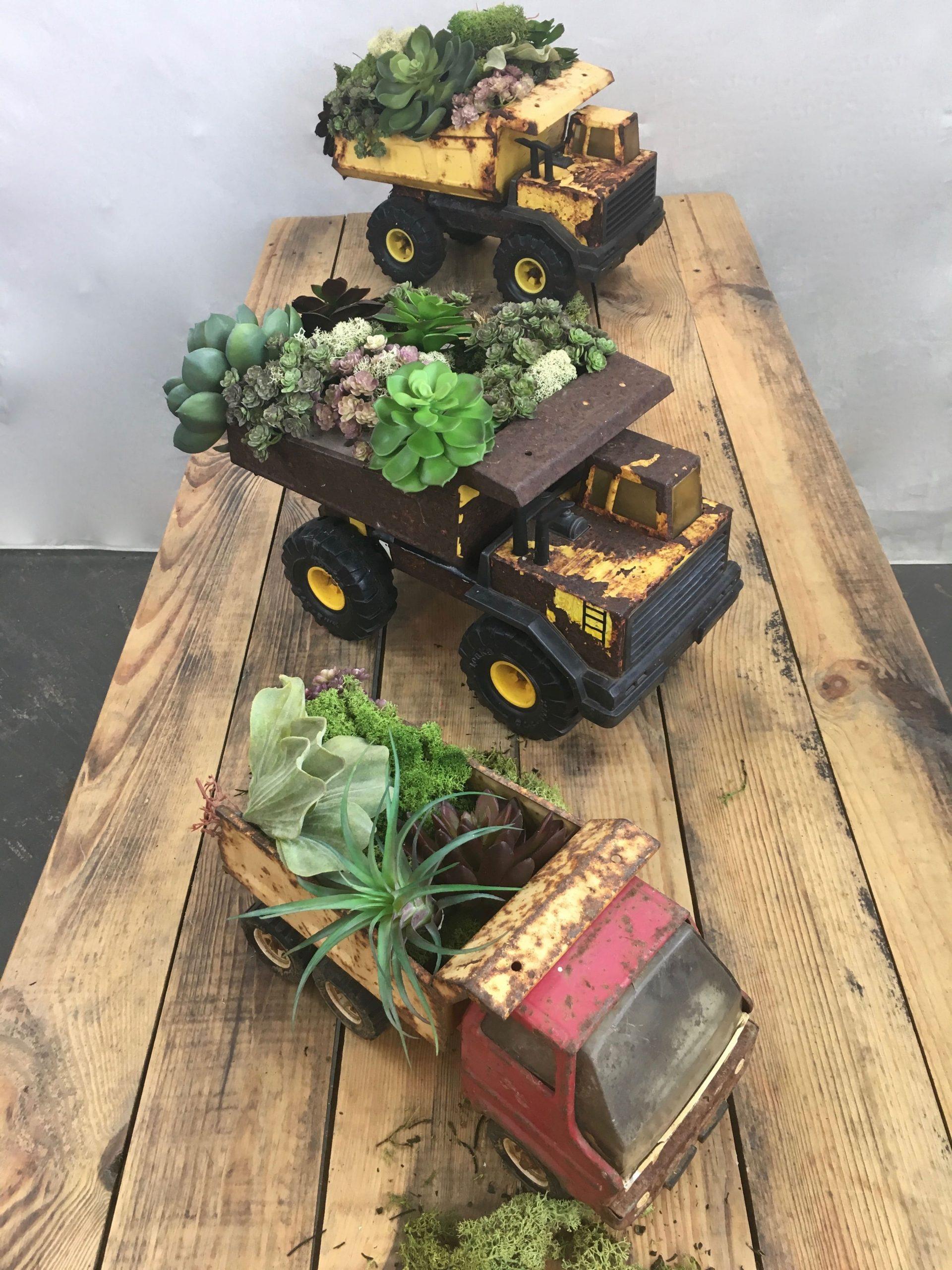 3.Simphome.com Rustic Toy Truck 2