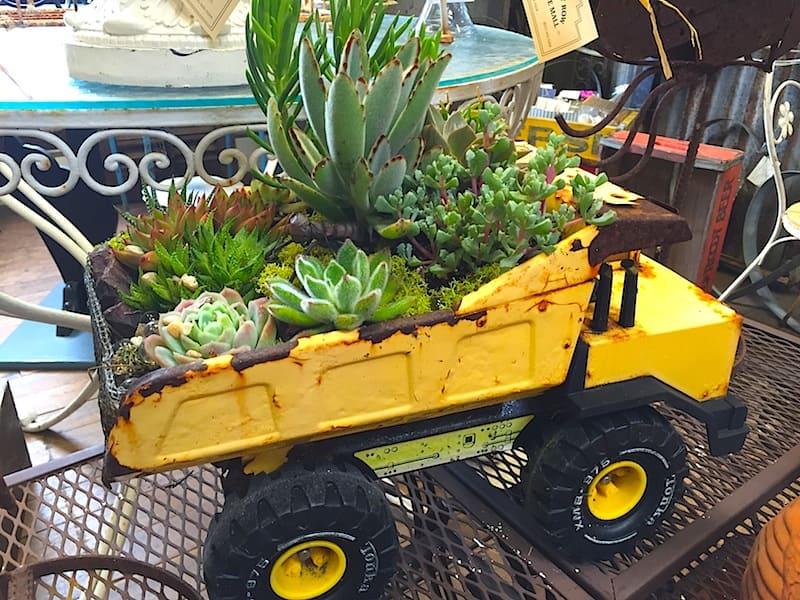 3.Simphome.com Rustic Toy Truck 3