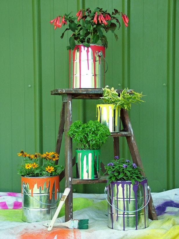 5.Simphome.com Old Paint Can Planters