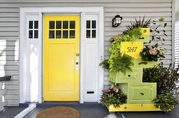 6.Simphome.com Turn Old Dressers to Planters 1