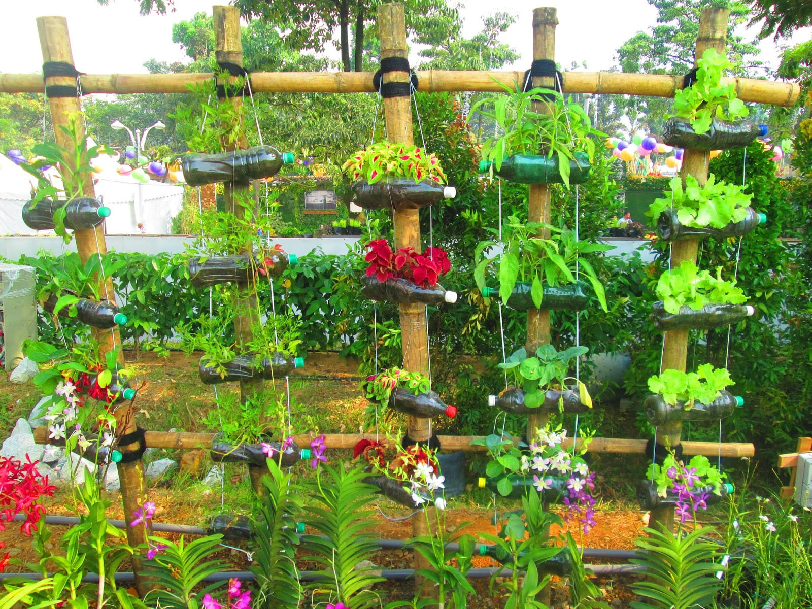 Simphome.com 20 innovative ways to reuse old plastic bottles for recycle ideas for garden