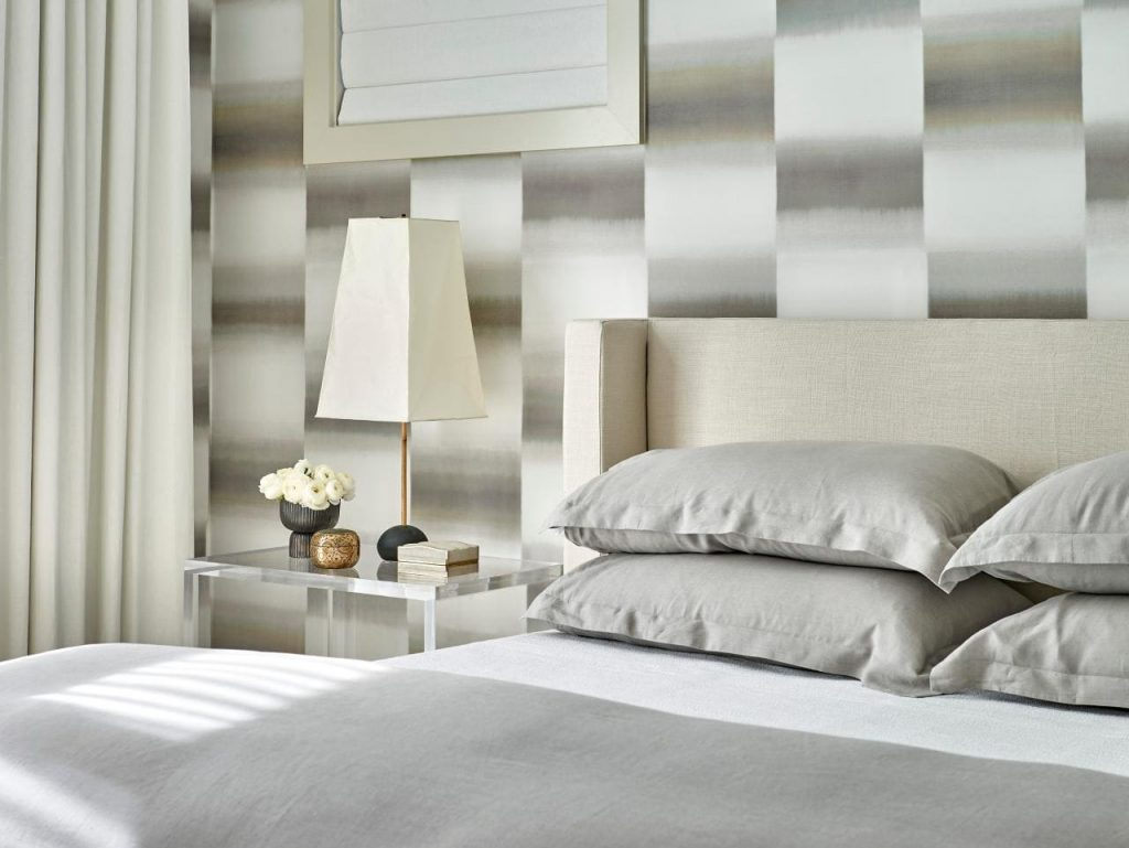 10. Hang a Wallpaper via Simphome.com