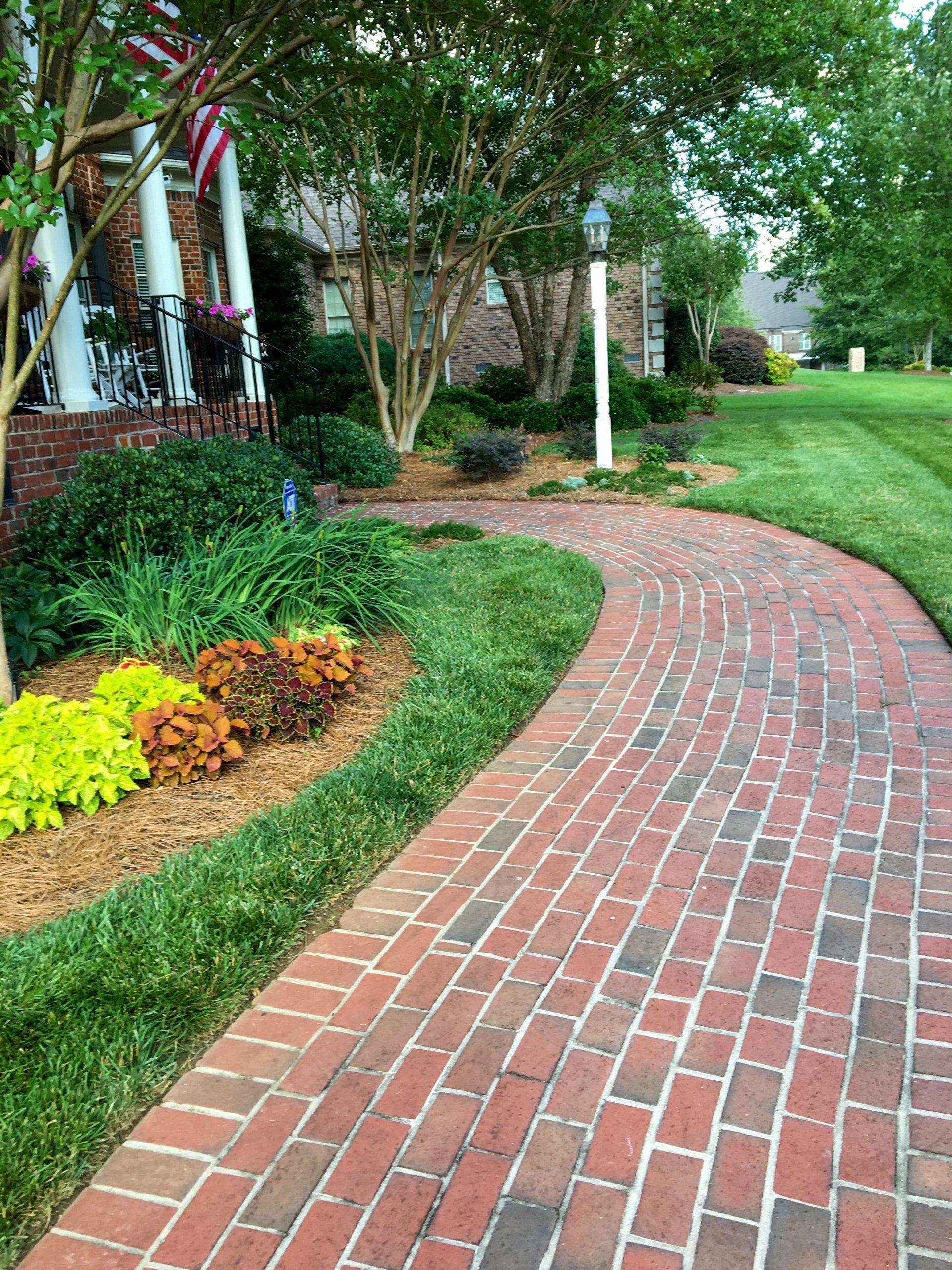 2.Simphome.com Herringbone Brick Pavers 1