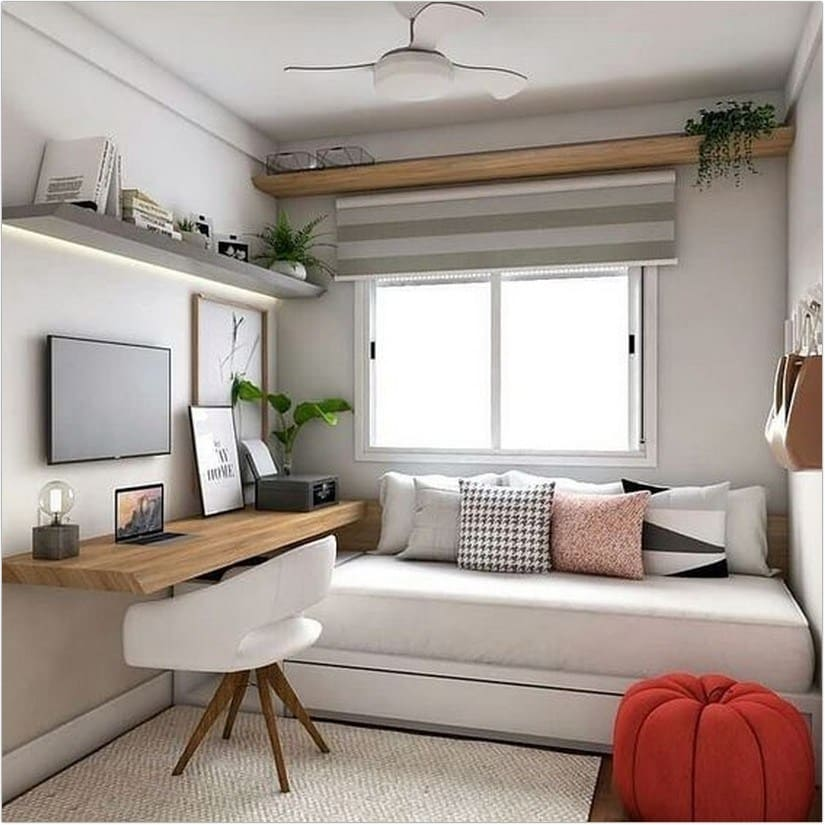 2.Simphome.com Use Daybed